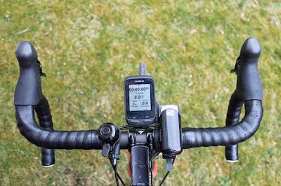 Garmin Edge 510, auf Aero-Lenkerhalterung montiert