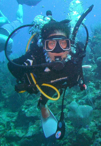 Lisa Niver scuba Copamarina. #StudyAbroadBecause Your Whole Life Will Change