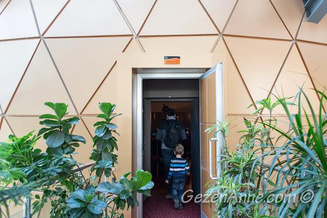 planetariuma girerken, Gaziantep