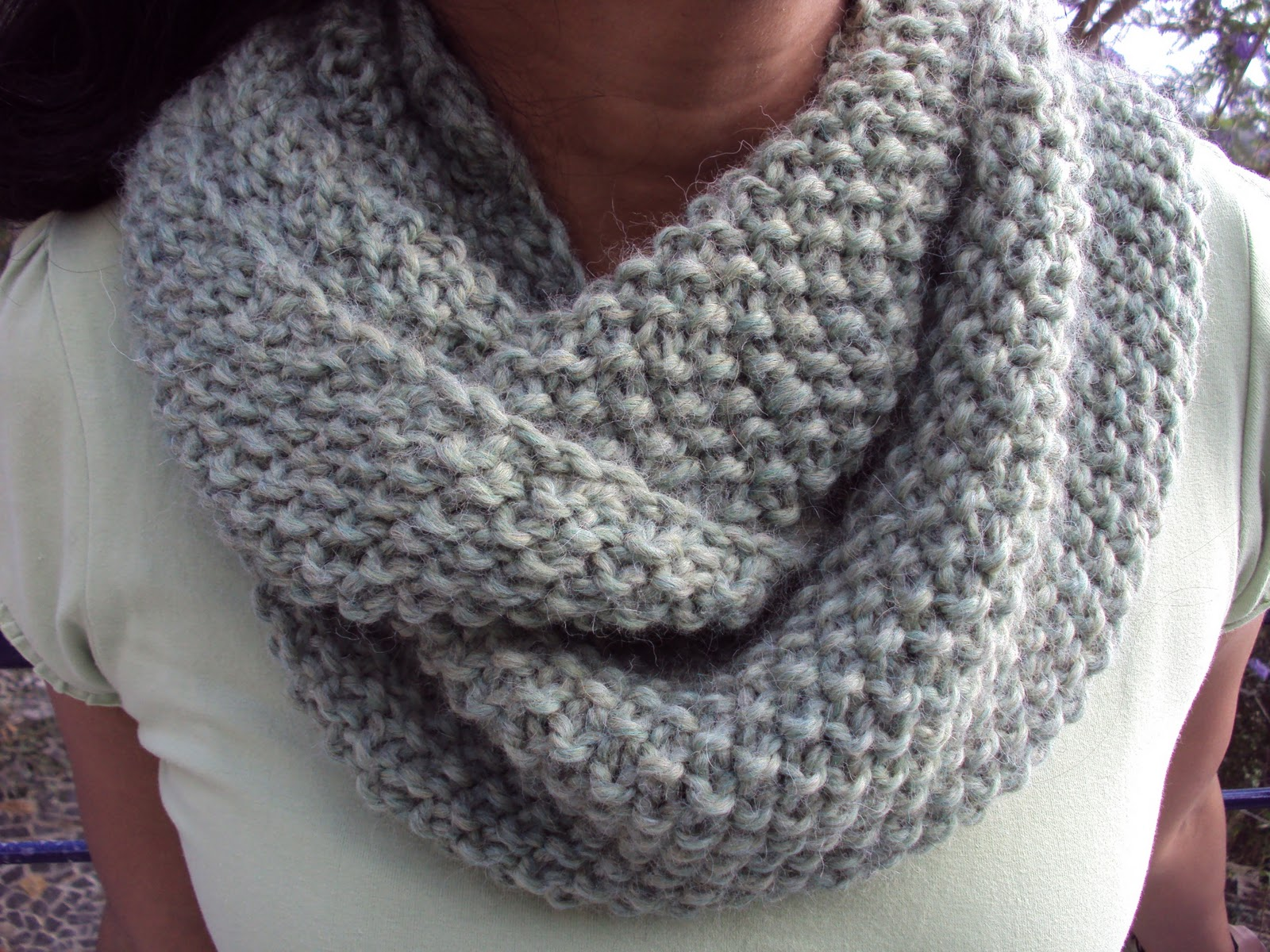 Knitted Cowl Pattern Using Bulky Yarn : Favourite Things: Green GAP-tastic cowl