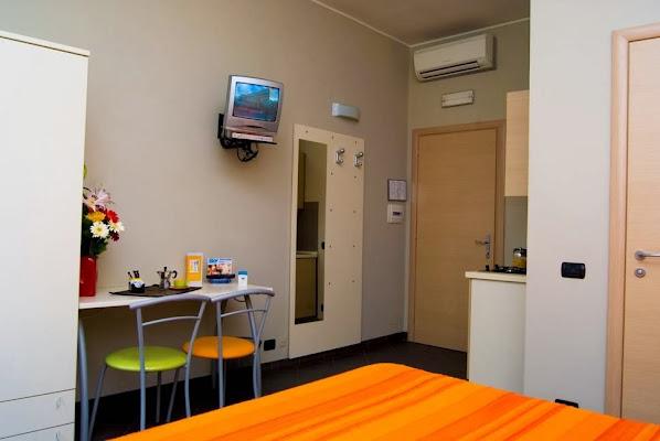 Residence Gra 21, Via Anagnina, 21, 00173 Roma, Italy