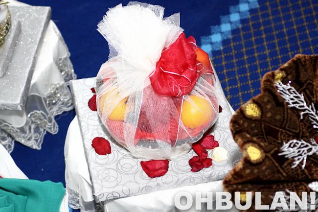 gambar hantaran buah-buahan azza elite kahwin azlan pramugara