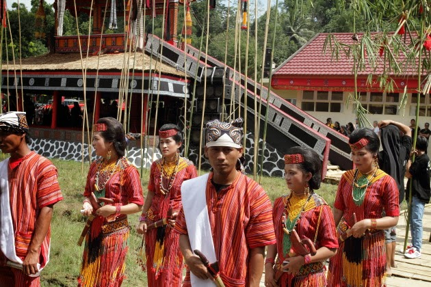 People of Tana Toraja in traditional funeral attire