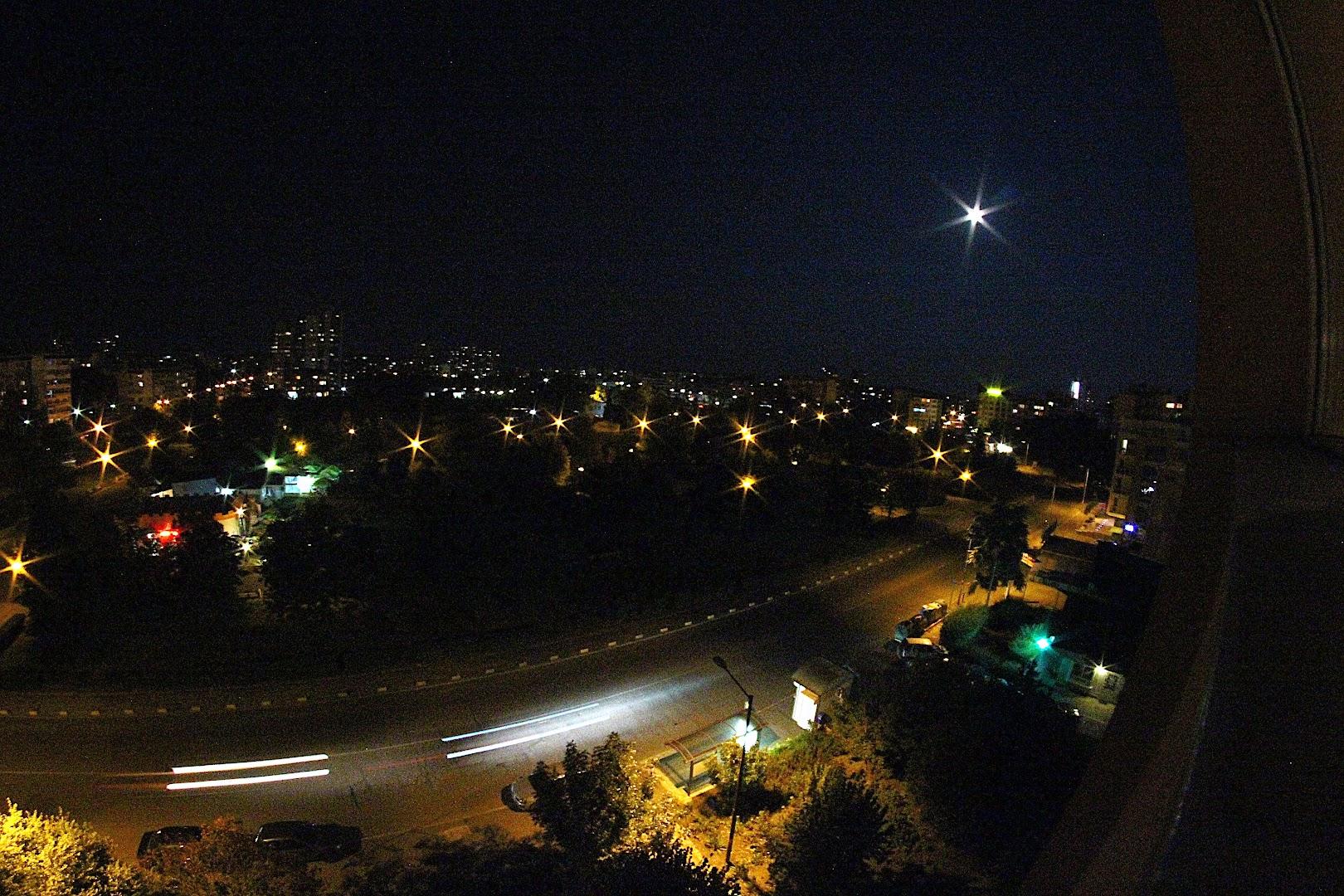 Изгрев, Бургас, Нощ, луна