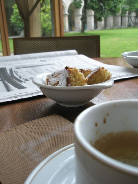 Galicia, Spain: from blue flags to green pastures. Galician food: bica. Traditional cake.