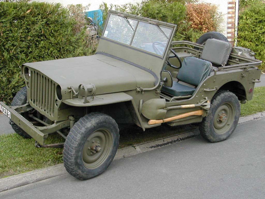 souvenez vous 44 jeep hotchkiss m201 24 volts radio. Black Bedroom Furniture Sets. Home Design Ideas
