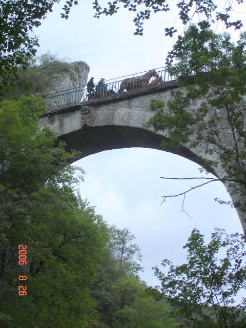 THEME DE DECEMBRE 2012 : les ponts! (3 photos autorisées) DSC00581