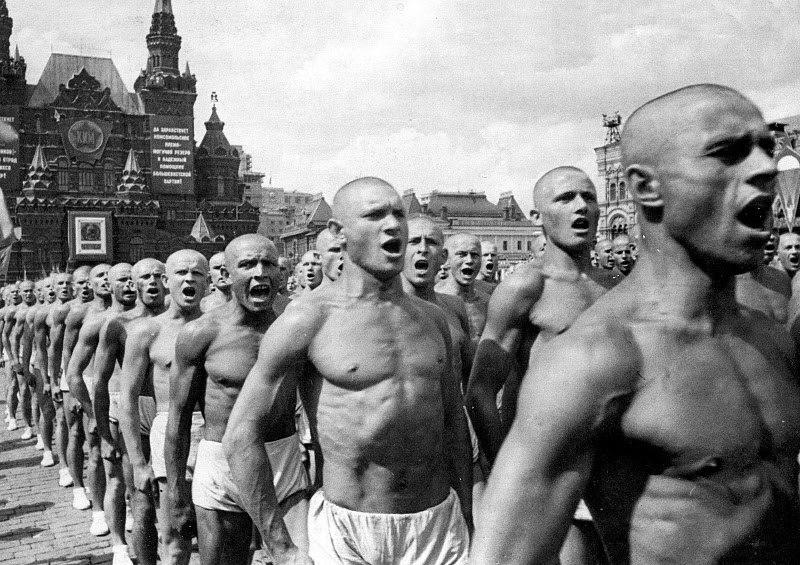 История нудизма в России. +18