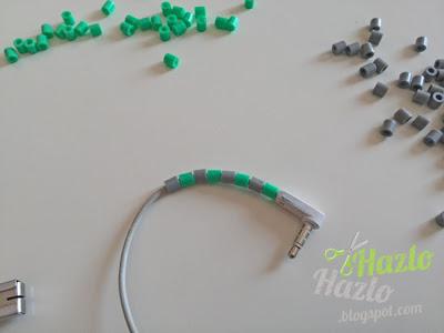 Cómo decorar auriculares con hama beads.