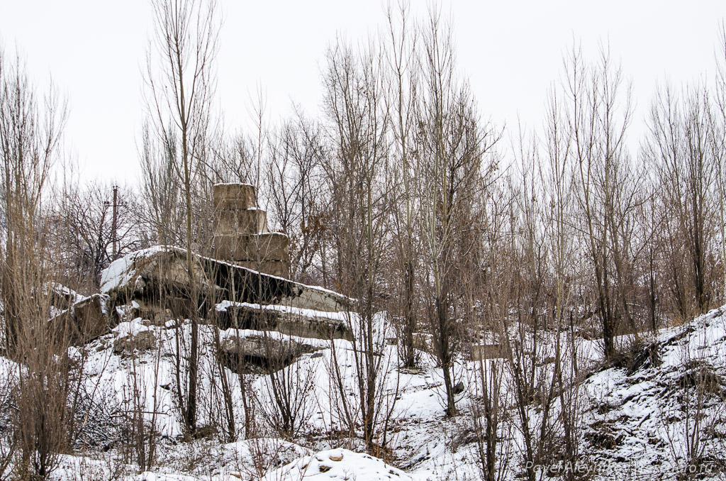 Руины шахты