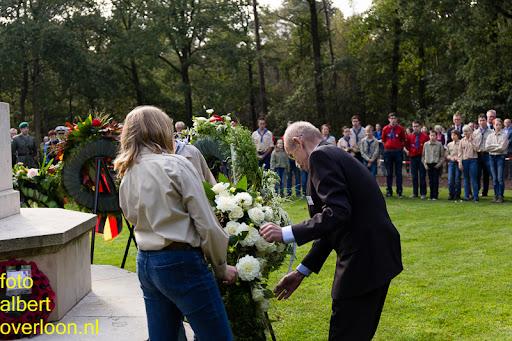 herdenkingsdienst  en een stille tocht naar het Engelse kerkhof 12-10-2014 (76).jpg