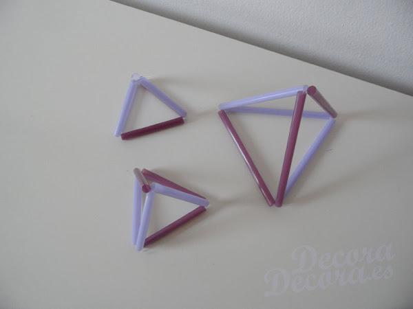 Pirámides decorativas hechas con pajitas