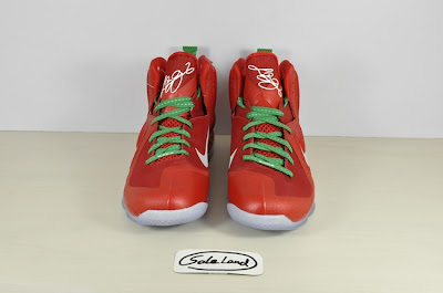 nike lebron 9 gr christmas 2 09 Detailed Look at Nike LeBron 9 Christmas