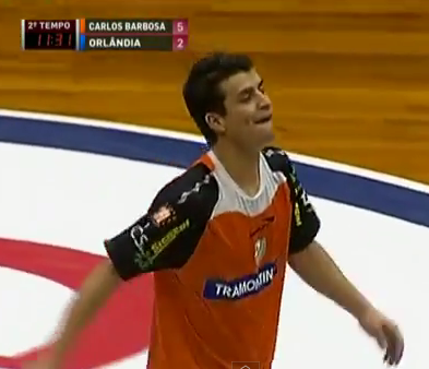 A brilliant futsal miss you wont have seen: Marcenio (Carlos Barbosa) vs Orlandia