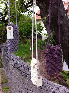Virkade mobildfodral corocodil stitch