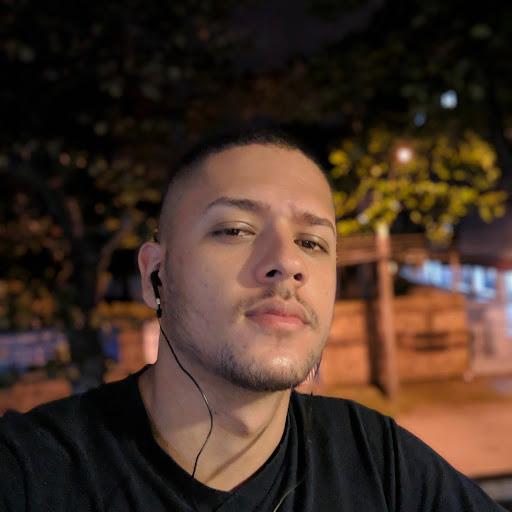 Raí Souza