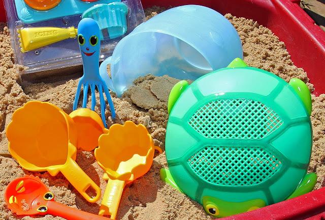 Bộ làm bánh với cát được thiết kế bằng chất liệu nhựa cao cấp