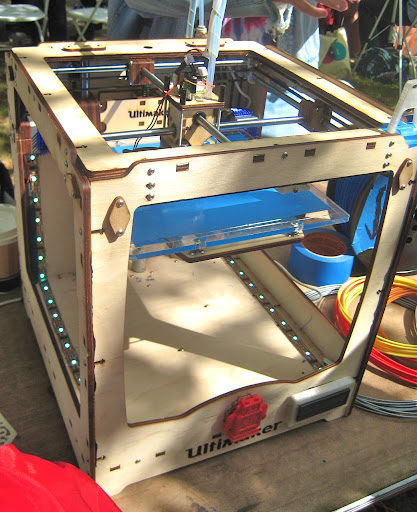 Ultimaker, a 3-D printer!!