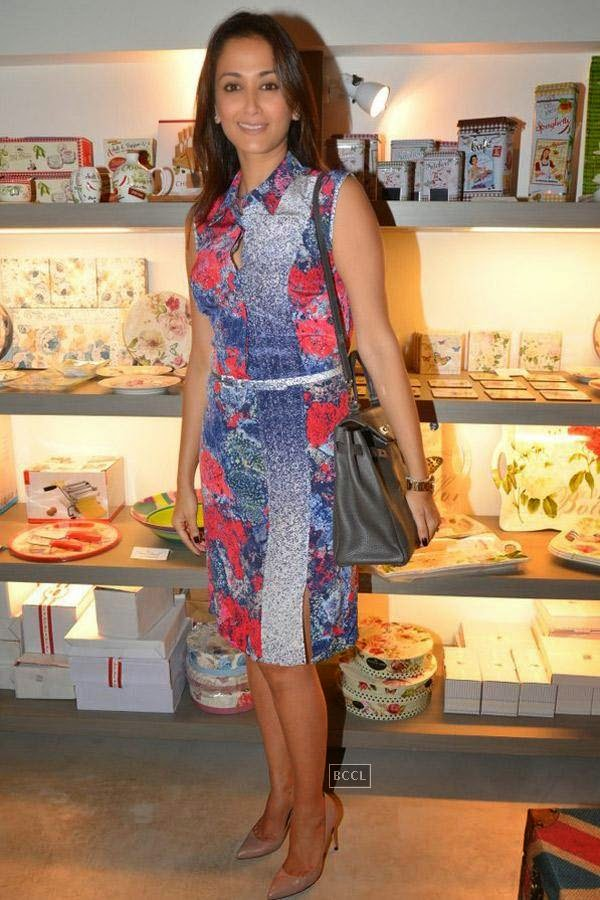 Gayatri Joshi during the preview of Flower Power Collection, held at The White Window store, in Mumbai, on July 31, 2014. (Pic: Viral Bhayani)