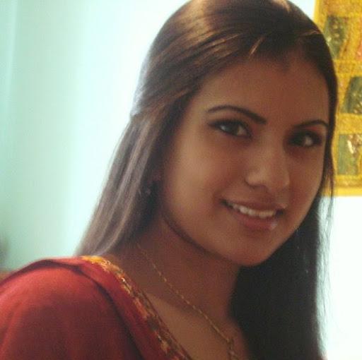 Zainab Khalid Photo 9
