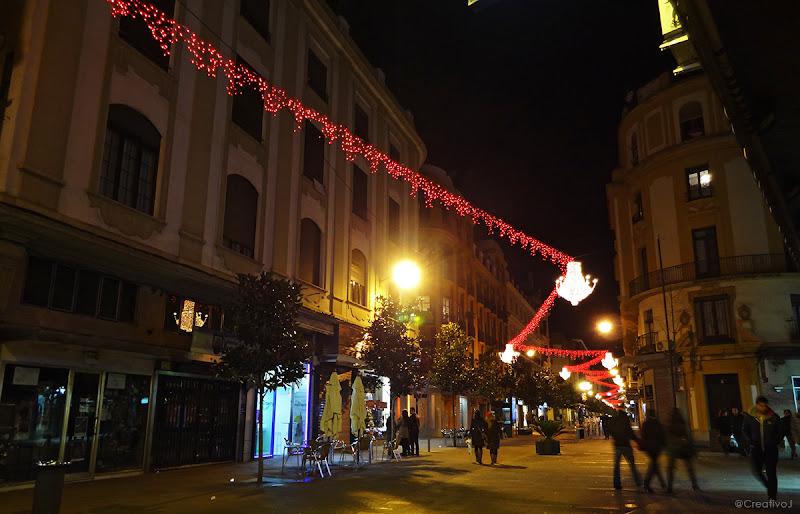 luces navidad, iluminación navideña, cruz conde, árboles iluminados, neón, córdoba, españa, navidad, festividad, decoración navideña