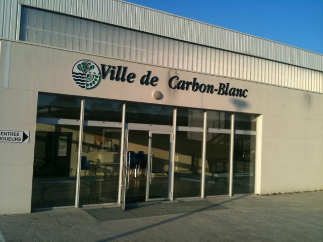 Carbon blanc football plaine des sports le faisan for Piscine carbon blanc