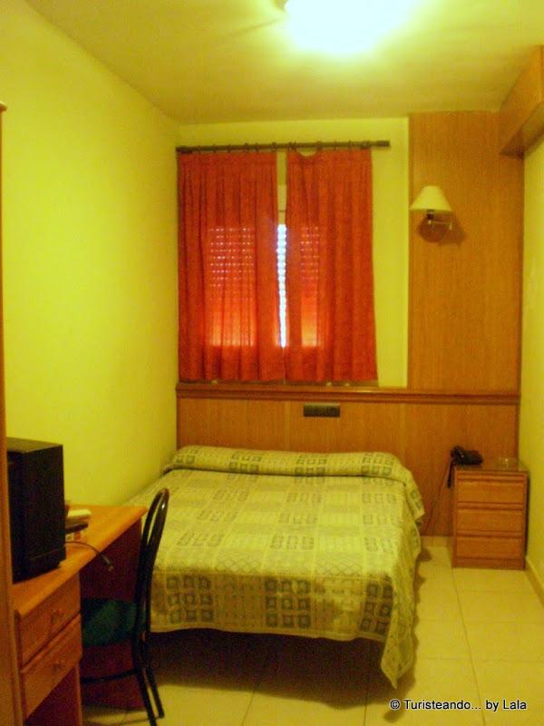 Habitación del hotel Piedras Blancas, Olmedo