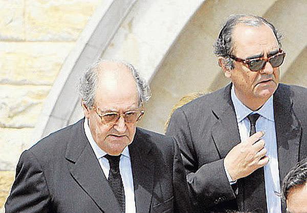 Juan y Carlos March