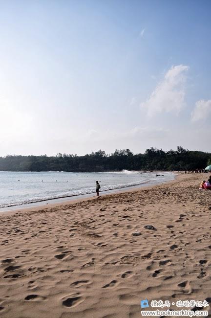 小灣沙灘海邊觀浪