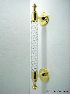 裝潢五金 品名:K2-617-大把手-1 規格:250MM 顏色:金+水晶 玖品五金