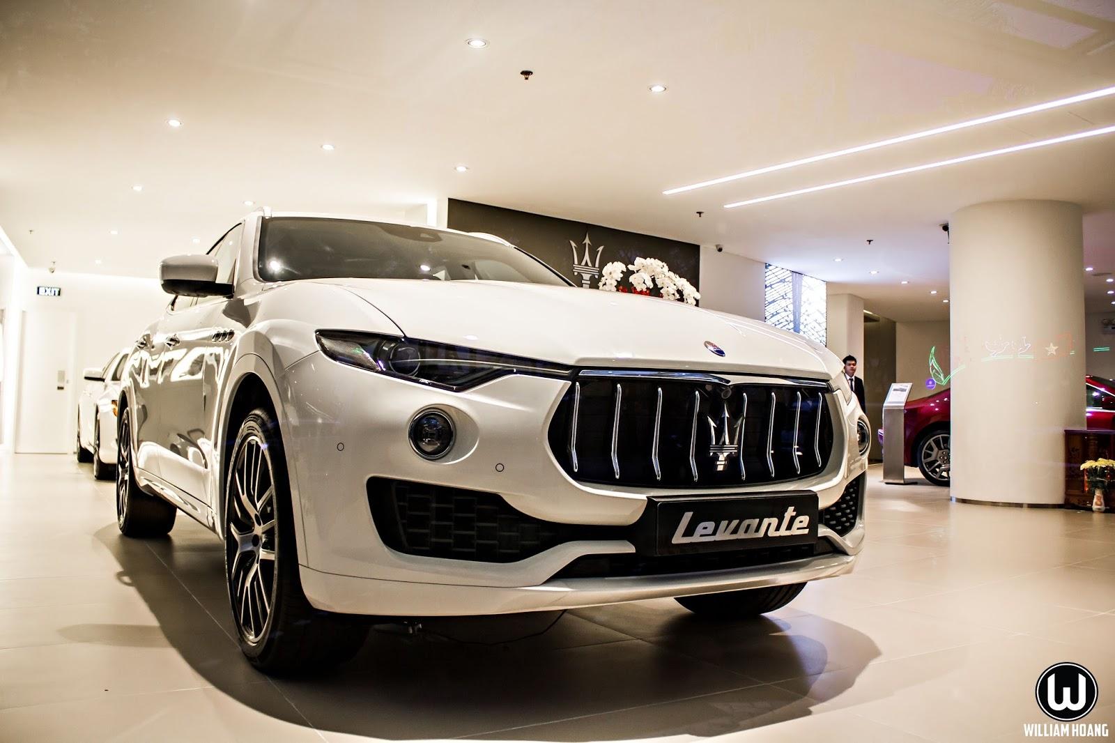 Đầu xe mang đặc trưng đậm chất...Thần Biển của Maserati