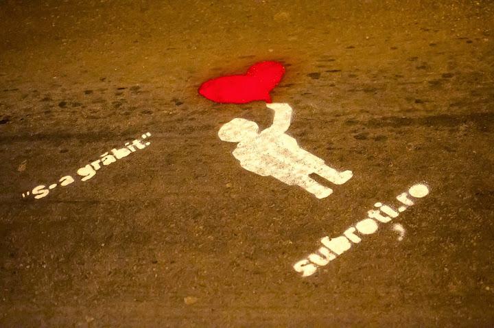 Sub roţi, prima campanie de gherilă pentru prevenţia accidentelor rutiere #1