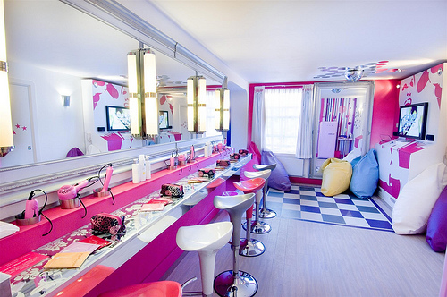 Dormitorio para varias hermanas via for Decorar habitacion nina 8 anos