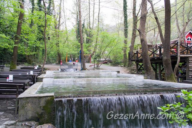 Maşukiye Vadi restorandaki alablık havuzları, İzmit
