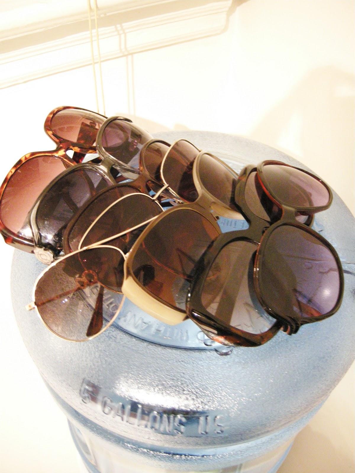 Etcetorize: Sunglass Holder
