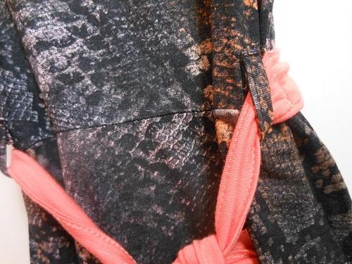 Customização blusinha Lunender com tachinhas Artevia