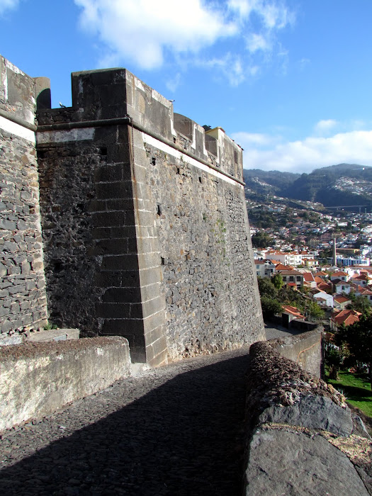walls of the Pico fortress