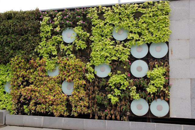 jardín vertical plug-in shanghái china iluminación jardines verticales