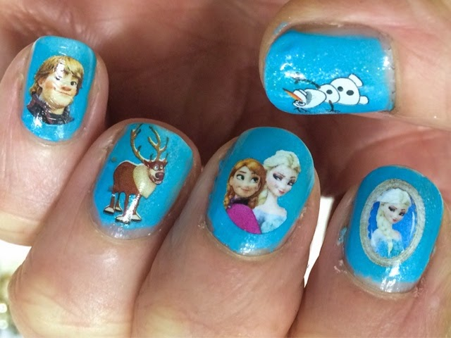 frozen-nail-art-manicure
