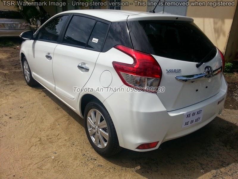 Khuyến Mãi Giá Bán Xe Ôtô Toyota Yaris 2015 Mới 2