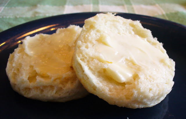 Out of My Sister's Kitchen: Baking Powder Biscuits (and gravy)
