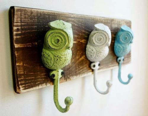 Owl wall hooks, owls, painted owl hooks, pineknobsandcrickets.etsy.com