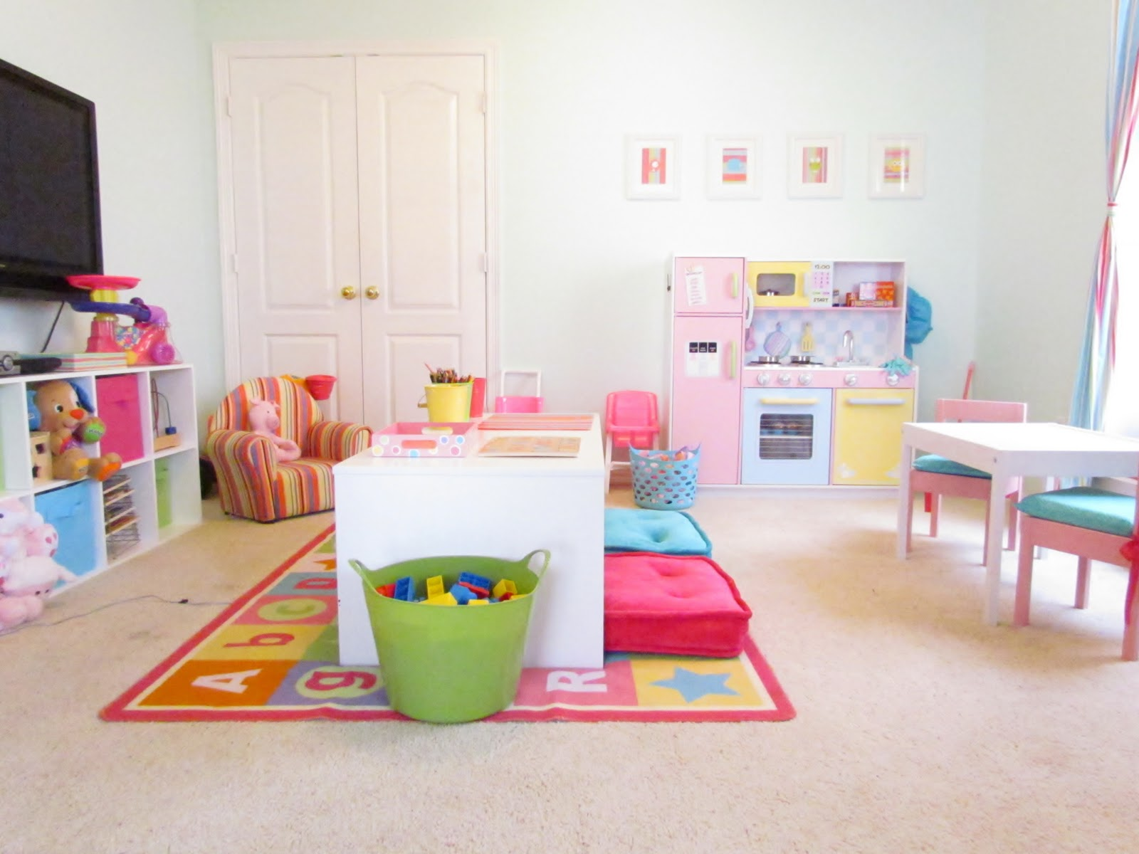 Wright By Me: Girly Playroom