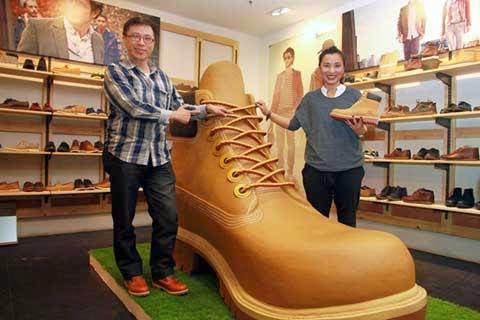 parhaat lenkkarit uskomattomia hintoja paremmin BeritaHUKUM.com - Timberland Hadirkan Sepatu Boot Raksasa di ...