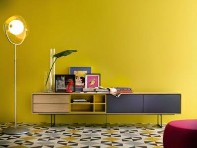 mueble estilo nordico roble y amarillo