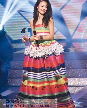 祖兒於《勁歌》頒獎禮繼續奪最受歡迎女歌星獎,歌后當之無愧。