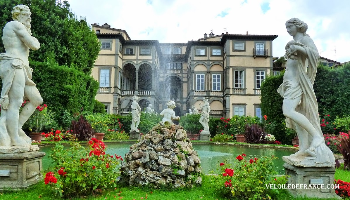 Jardin toscan du Palazzo Pfanner à Lucques - Evasion à vélo en Italie par veloiledefrance.com.