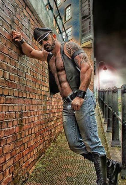 Hot Muscle Men in Uniform