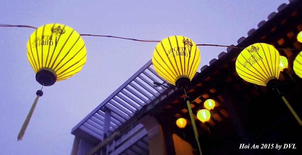Đèn lồng tại phố đi bộ Hội An