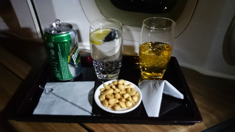 DSC 2971 - REVIEW - Cathay Pacific : First Class - Hong Kong to Tokyo (B747)